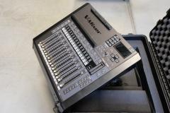Roland M200